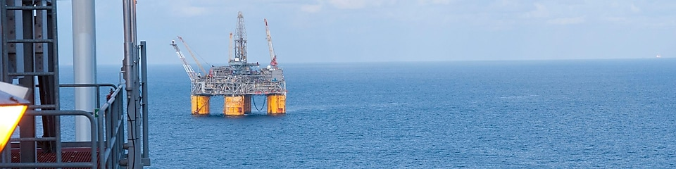 Drijvend offshore diepwaterplatform in de Golf van Mexico